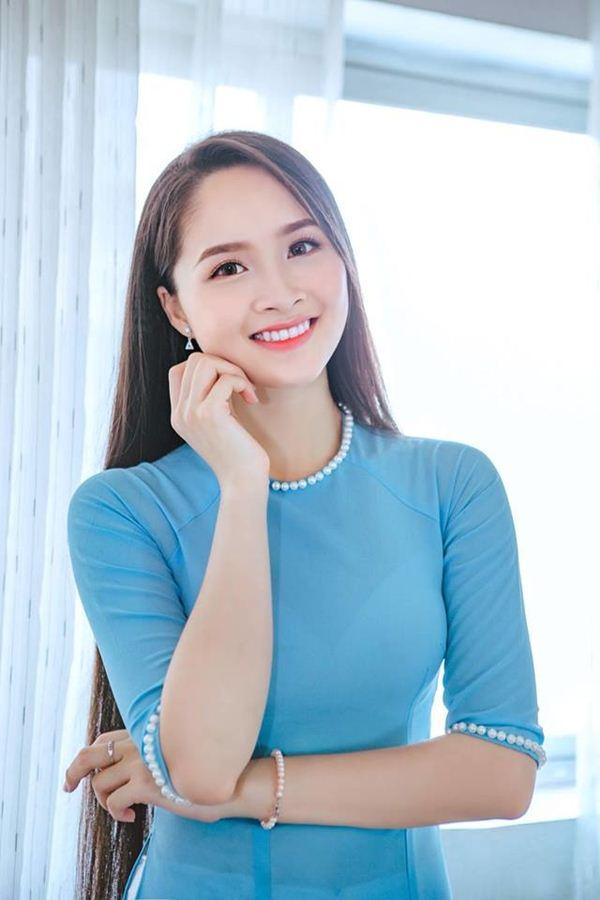 Suối tóc mượt dài 1m4 của thí sinh Hoa hậu Việt Nam - 1