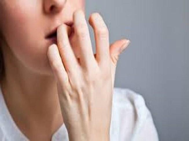 Cắn móng tay, nữ sinh 20 tuổi mắc ung thư da hiếm gặp - 1