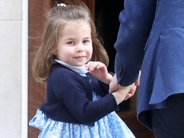 Mới 3 tuổi, công chúa Charlotte đã mang lại 4.3 tỷ USD cho nước Anh