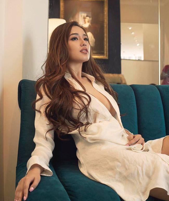 Kể từ khi đăng quang Hoa hậu Việt Nam 2006 đến nay, Mai Phương Thúy vẫn là cái tên gây sốt trong làng giải trí mỗi khi xuất hiện.