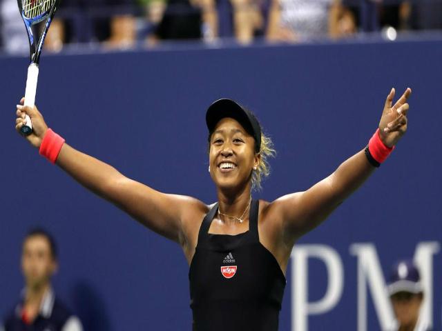 """Clip hot US Open: Osaka passing điệu nghệ, """"quái thú"""" Serena thẫn thờ"""