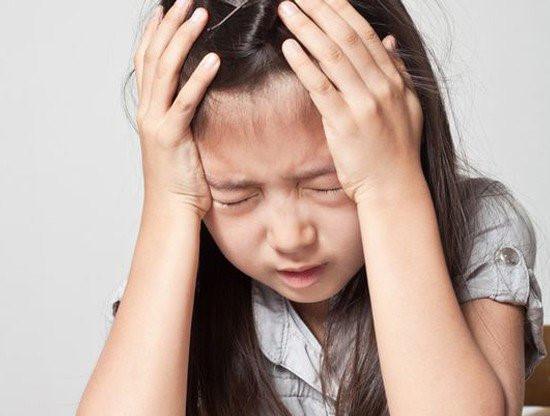 Cha mẹ sốc nặng khi con gái 4 tuổi có kinh nguyệt, 5 tuổi mãn kinh - 1