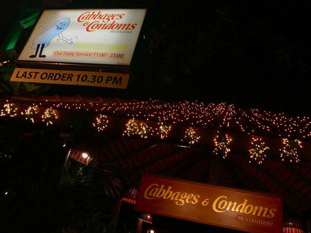 Đừng choáng nếu bắt gặp nhà hàng bao cao su này khi đi du lịch Thái Lan - 1