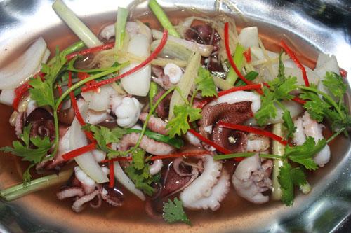 Học lỏm cách chế biến hải sản cực ngon mà đơn giản của dân biển Quảng Ninh! - 1