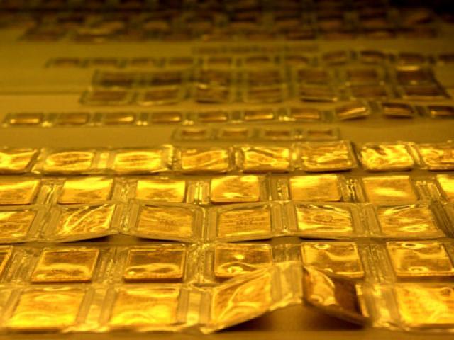 Giá vàng hôm nay 15/9: Nhà đầu tư tháo chạy, vàng rớt giá mạnh