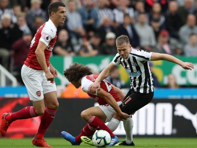 Newcastle - Arsenal: 9 phút bước ngoặt, vùng dậy phút bù giờ