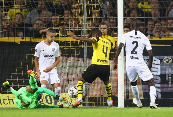 Dortmund - Frankfurt: Thay người đỉnh cao, siêu phẩm định đoạt - 1