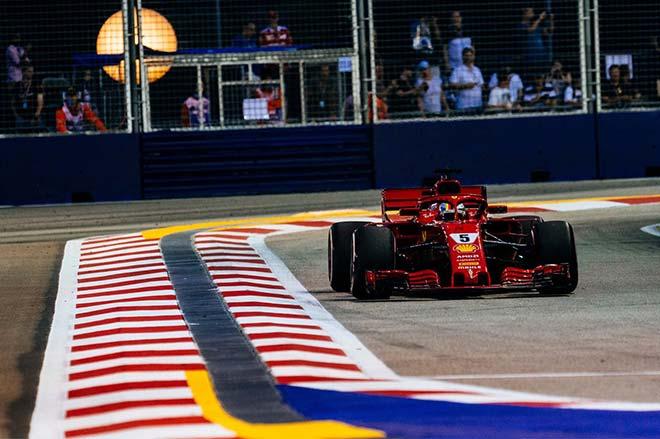 Đua xe F1, phân hạng Singapore GP: Hamilton tiến gần chức vô địch - 1