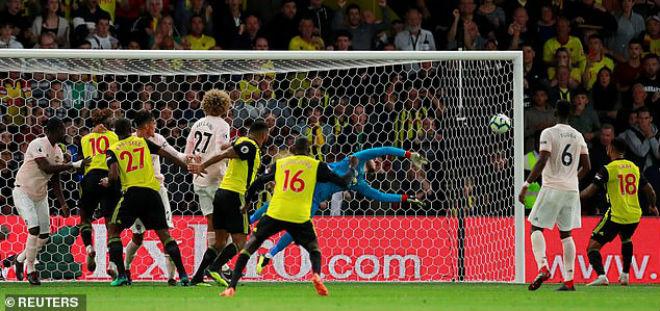 """MU thắng hú vía Watford: Mourinho dựa """"người nhện"""" De Gea đến bao giờ? - 1"""