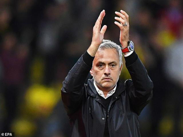 """MU thắng hú vía Watford: Mourinho dựa """"người nhện"""" De Gea đến bao giờ?"""