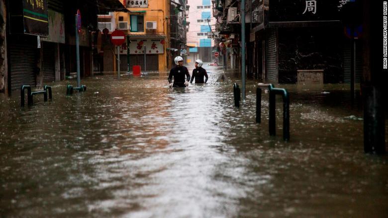 Sốc với sức tàn phá kinh hoàng của Mangkhut ở Hong Kong, Phillipines - 1