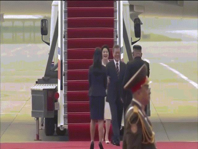 Kim Jong-un trải thảm đỏ đón Tổng thống Hàn Quốc ở Bình Nhưỡng