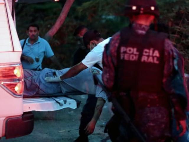 Xe chở đầy xác chết đỗ giữa đường gây phẫn nộ ở Mexico