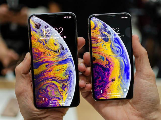 Chưa lên kệ, iPhone Xs và Xs Max đã được khui hộp