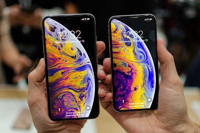 Chưa lên kệ, iPhone Xs và Xs Max đã được khui hộp - 1