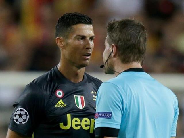 """Ronaldo nín thở: Án phạt 4 trận lơ lửng, Juventus chờ """"chống lưng"""""""