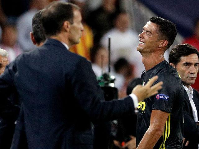 Ronaldo thẻ đỏ cúp C1: Đồng đội kêu oan, HLV Juventus đòi VAR phán xử