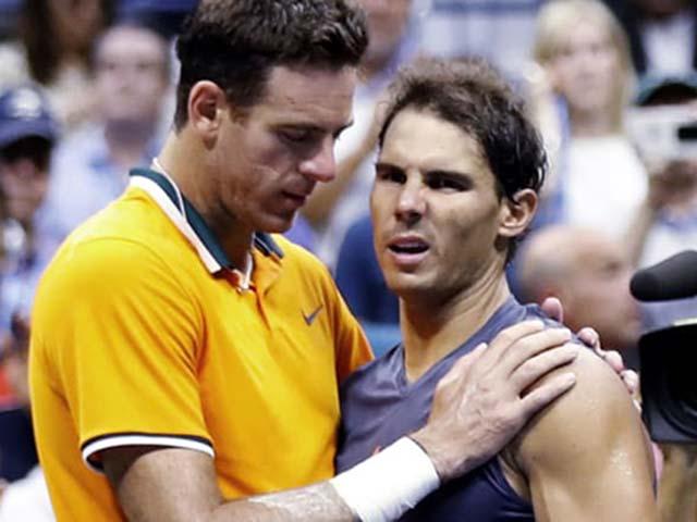 """Đua số 1: Nadal bỏ 1100 điểm, Djokovic như """"cá mập chực chờ"""""""