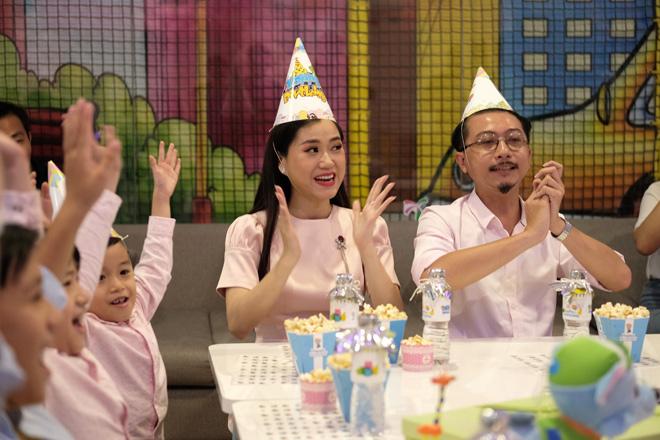Gia đình Lâm Vỹ Dạ - Hứa Minh Đạt đại náo tại tiệc sinh nhật - 1