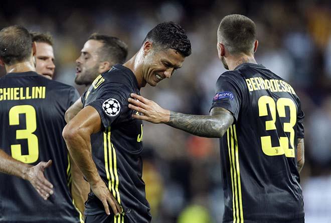 Ronaldo & ác mộng chưa dứt: Treo giò Cúp C1, mất luôn FIFA The Best? - 1