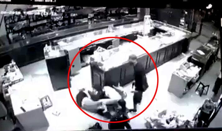 Nghẹt thở phút bà chủ tiệm vàng ở Sơn La vật lộn với băng cướp có súng - 1