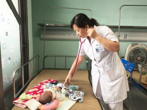 Ngỡ cảm cúm thông thường, bất ngờ nhập viện thở máy vì nhiễm virus này - 1