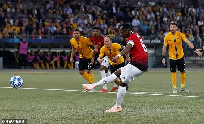 Pogba đá 11m lấy đà... 26 bước: Mourinho chơi liều, triệu fan MU thót tim - 1