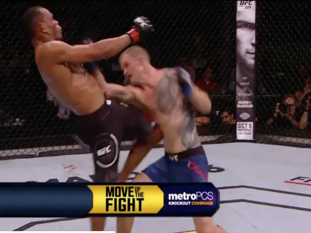 Đỉnh cao MMA: 40 tuổi ra đòn thảm khốc khiến đối thủ vật vã