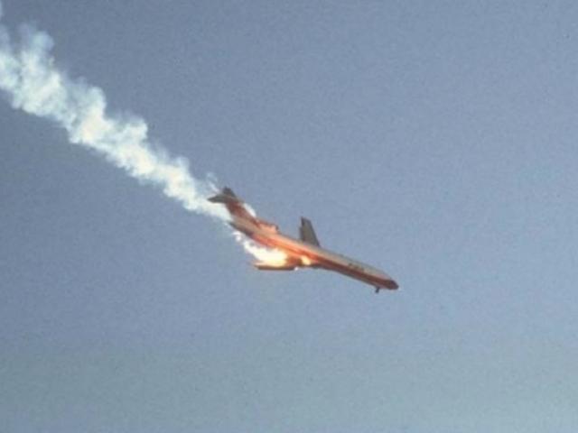 Tội ác rợn người phía sau vụ nổ máy bay khiến 44 người thiệt mạng