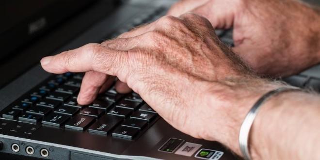 Cách thiết lập máy tính Windows 10 cho người cao tuổi - 1