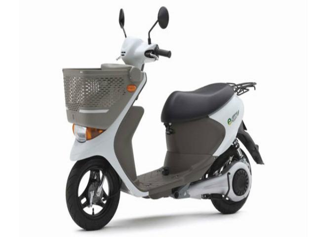 """Xe ga điện Suzuki sắp """"đổ bộ"""" thị trường xe máy sôi động nhất"""