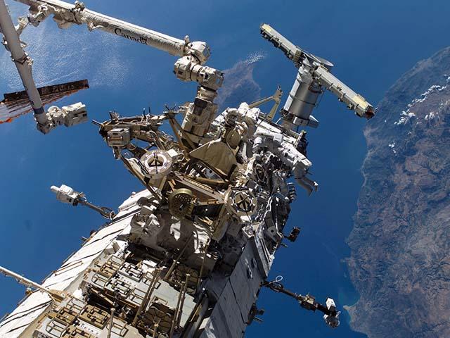 Chuyện gì sẽ xảy ra nếu trạm vũ trụ nặng hơn 450 tấn rơi xuống Trái Đất?