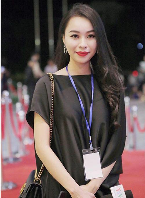 Nữ MC xinh đẹp tiết lộ bí quyết kinh doanh kiếm hàng trăm triệu/tháng - 1