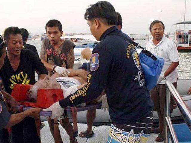 Sự thật đáng sợ đằng sau chuyến phà bão táp chở 200 hành khách bị lật
