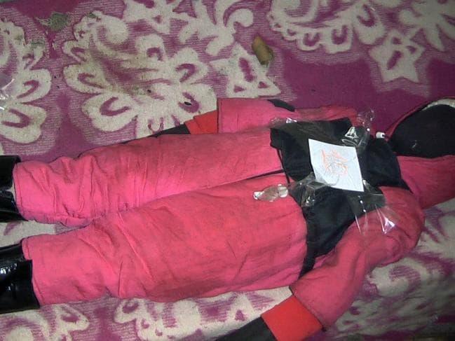 Nga: Dân lo sợ người đàn ông ướp xác hàng loạt trẻ em gái làm búp bê - 1