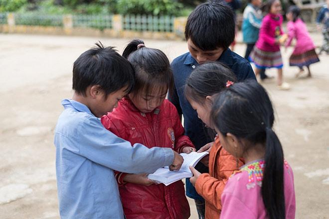 Thầy giáo Nam Định: hạnh phúc vì sự cho đi - 1