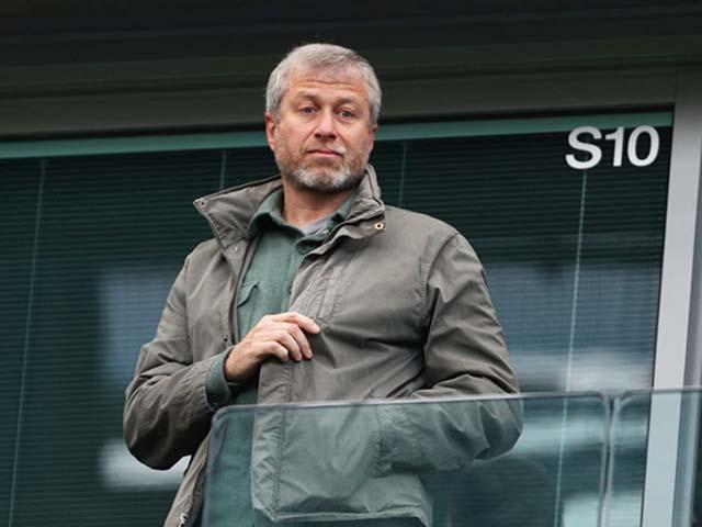 """Abramovich sắp phải """"tháo chạy"""": Chelsea số phận lại như MU?"""
