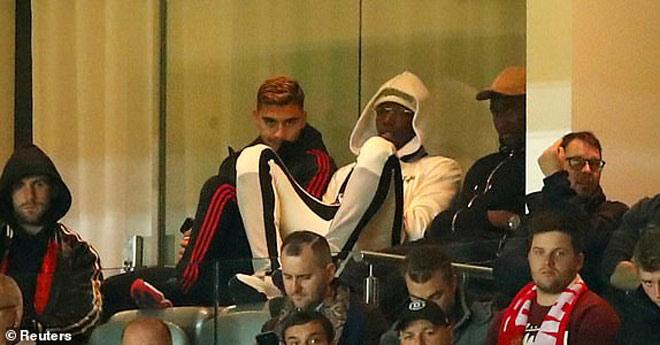 MU lâm nguy: Pogba bật Mourinho kênh kiệu bỏ về giữa chừng - 1