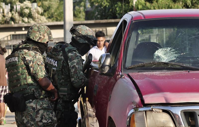 Sốc: Mexico bắt toàn bộ cảnh sát một thành phố - 1