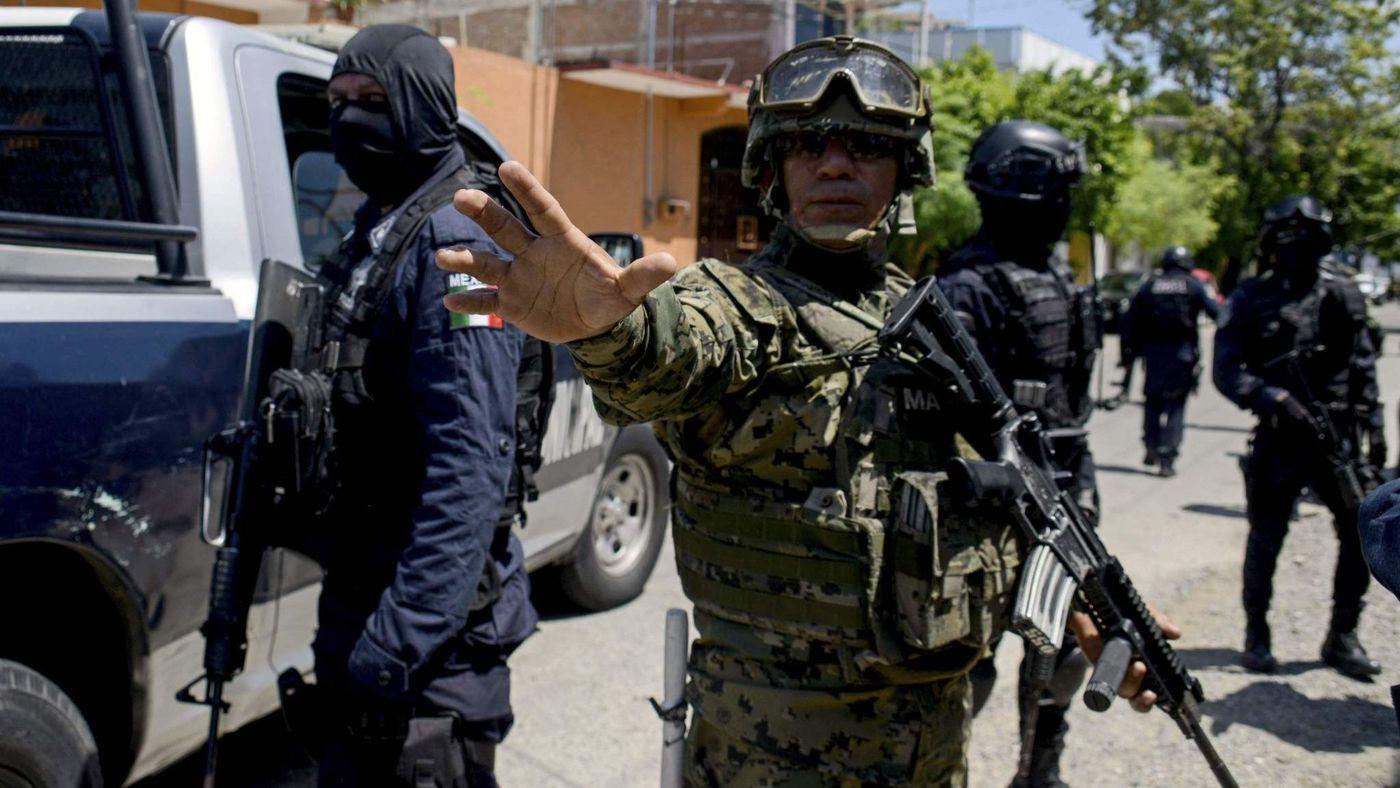 Mexico bắt toàn bộ cảnh sát một thành phố: Điều kinh khủng phía sau - 1