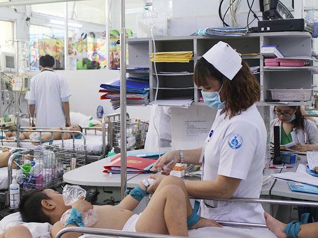 Hình ảnh 6 trẻ tử vong vì tay chân miệng: Do thay đổi nhóm gen nguy hiểm số 3
