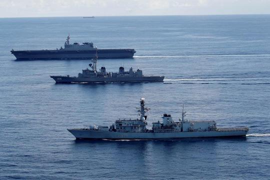 Tàu chiến Anh tập trận với Nhật trước khi đến biển Đông - 1