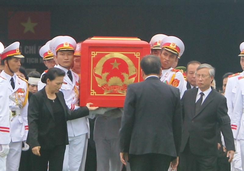 Toàn cảnh tiễn biệt Chủ tịch nước Trần Đại Quang về với đất mẹ - 1