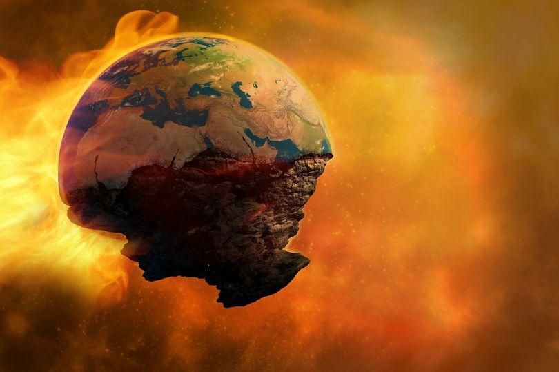 Isaac Newton dự đoán thế giới sẽ kết thúc vào năm 2060 - 1