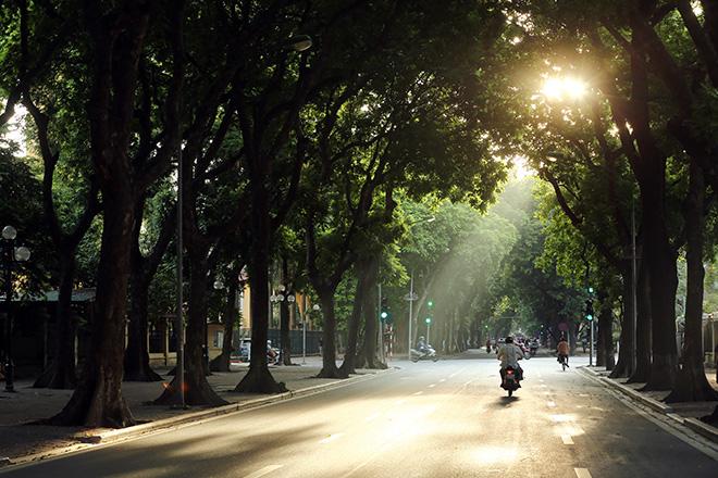 """Cuối tuần, người dân miền Bắc tận hưởng thời tiết """"chuẩn"""" mùa thu - 1"""
