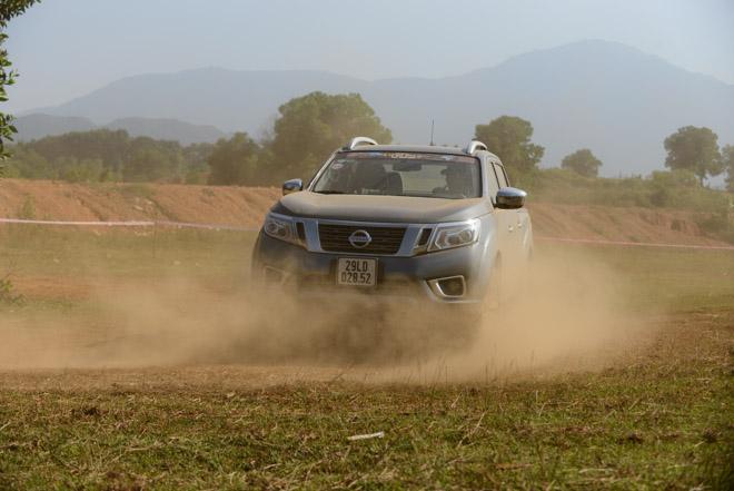 Trước thềm VOC, đội Nissan Navara vẫn tích cực tập luyện bất chấp thời tiết - 1