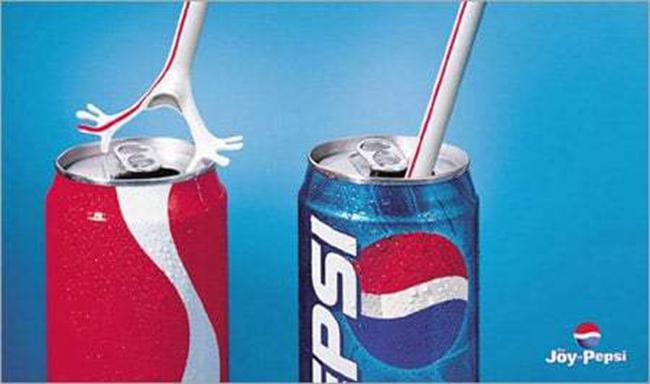 """Lại một lần nữa là Pepsi với bức ảnh ngụ ý: """"Đến ống hút cũng từ chối Coca-Cola""""."""