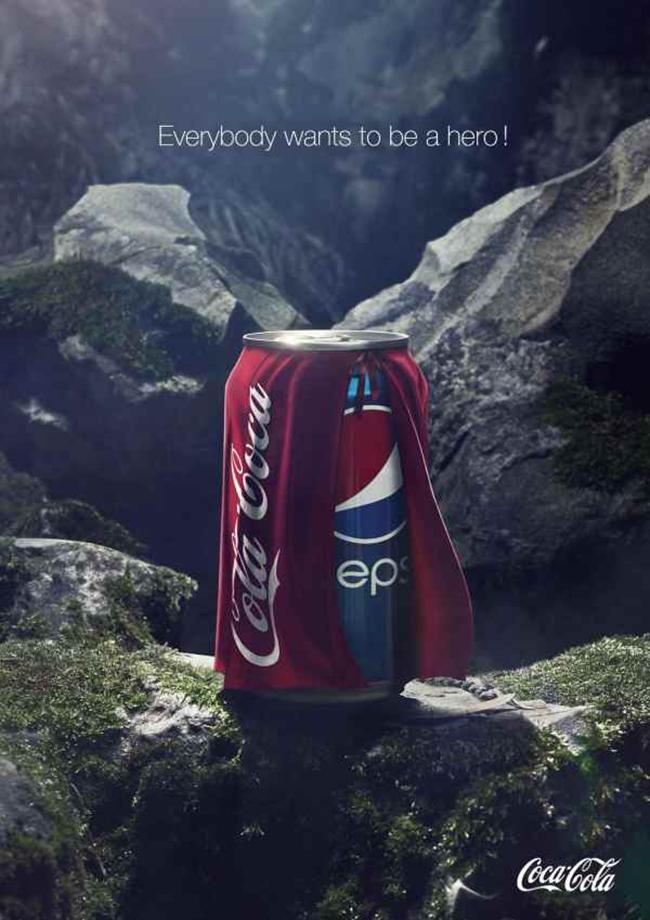 """""""Ăn miếng trả miếng"""", ngay hôm sau, Coca-Cola đăng tải vẫn bức hình đó và chỉ thay dòng chữ thành: """"Ai cũng muốn trở thành một anh hùng"""". Ngay lập tức, Pepsi trở thành trò cười. Đây có lẽ là màn """"thua đau"""" nhất của hãng Pepsi trước đối thủ của mình."""