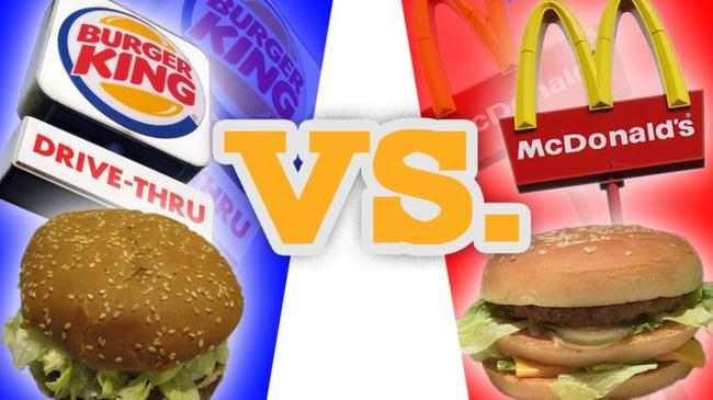 """Đại chiến bánh kẹp: McDonald's và Burger King: Là kẻ """"sinh sau đẻ muộn"""" nên Burger King luôn tìm mọi cách tạo sự chú ý với mong muốn """"hạ bệ"""" được đối thủ lớn McDonald's."""