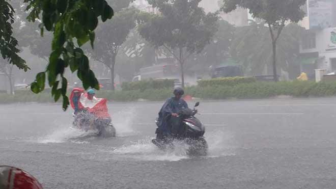 Sài Gòn mưa như trút nước, cửa ngõ Tân Sơn Nhất ngập kinh hoàng - 7